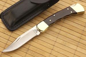 Buck 110 Folding Hunter Finger Grooved