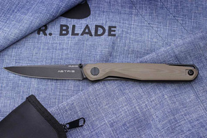 Mr. Blade Astris Tan