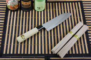 Кухонный нож Sekizo Santoku